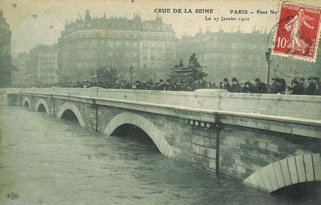 Paris sous l'eau lors de la crue de la Seine en 1910