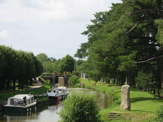 Le canal de Nantes à Brest à Malestroit (Morbihan