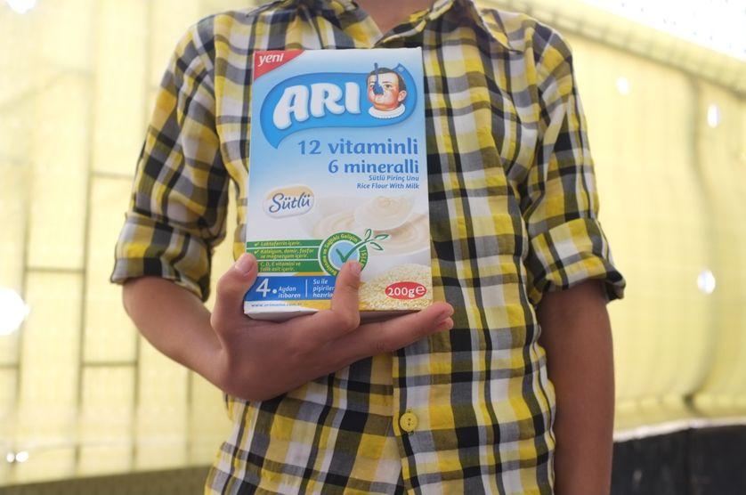 Hussein: 12 ans, qui viens chercher du lait pour sa famille partie d'Alep pour Azaz.