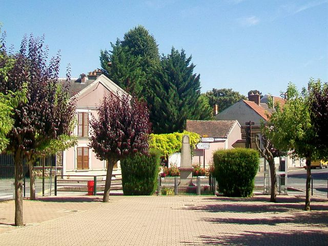 Place de la Mairie à Sénart