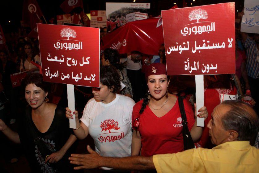 Des manifestantes, lors de la fête des femmes, à Tunis, le 13 août 2012