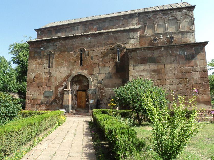 Eglise Sourp Hovhannes (Saint Jean) à Byurakan