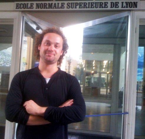 Julien post doctorant à l'ENS sciences