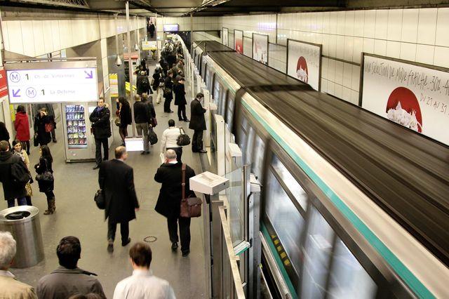 Le métro, aux heures d'affluence