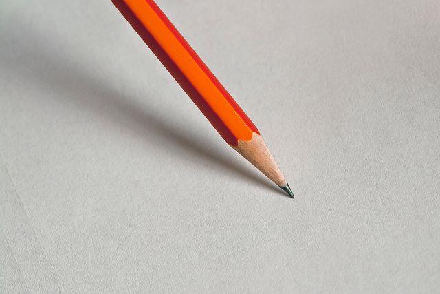 La liste des commissions sur le papier !