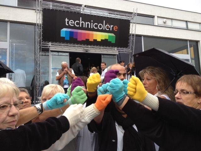 Les salariés de Technicolor Angers mobilisés devant leur site de production