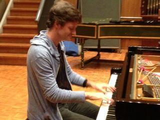 Edouard Ferlet au piano Steinway du studio 118