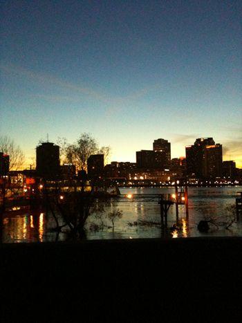 Le centre-ville de La Nouvelle-Orléans depuis le Mississipi
