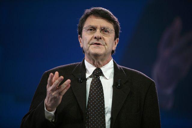 """Eric Izraelewicz lors du colloque """"Les Défis de la Competitivité"""", organisé au Carrousel du Louvre en mars 2012"""