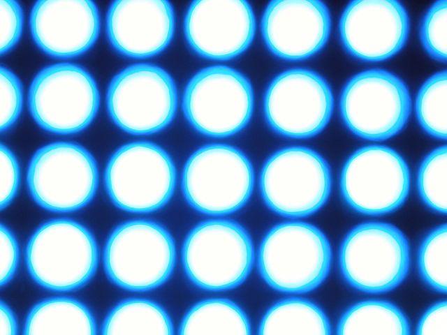 Lumière bleue (Blue light #4)