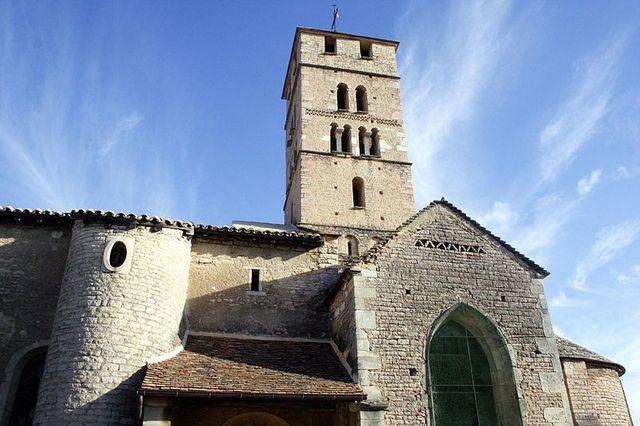 Église romane Saint-Pierre, Uchizy