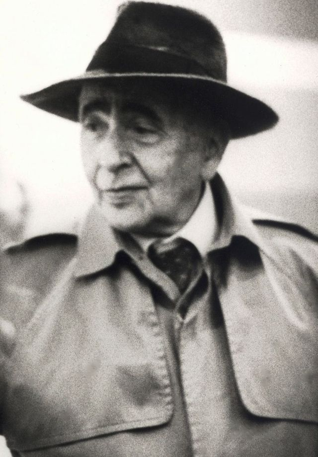 """Louis Aragon à Lyon le 19 juin 1981 pour la présentation de """"La messe d'Elsa"""""""