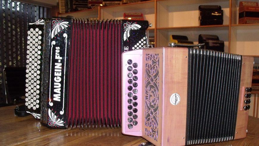La manufacture d'accordéons Maugein a été reprise par une nouvelle équipe en février 2014