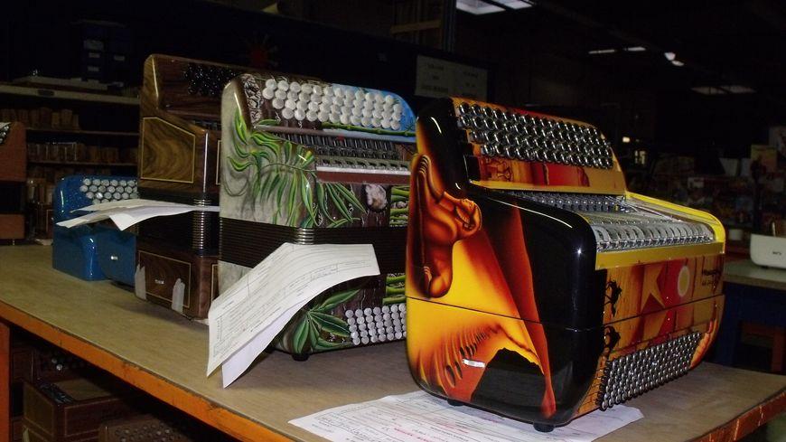 accordéon maugein - stock 2