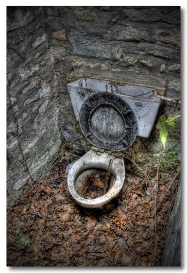 Toilettes antiques (Ancient toilet)