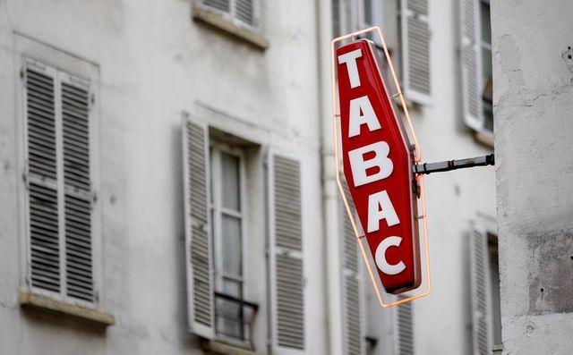grève administrative des buralistes contre la hausse du prix du tabac