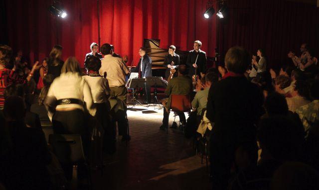 Concert du Quatuor Modigliani et de Michel Dalberto dans la salle des fêtes de la commune rurale de Congis-sur-Thérouanne
