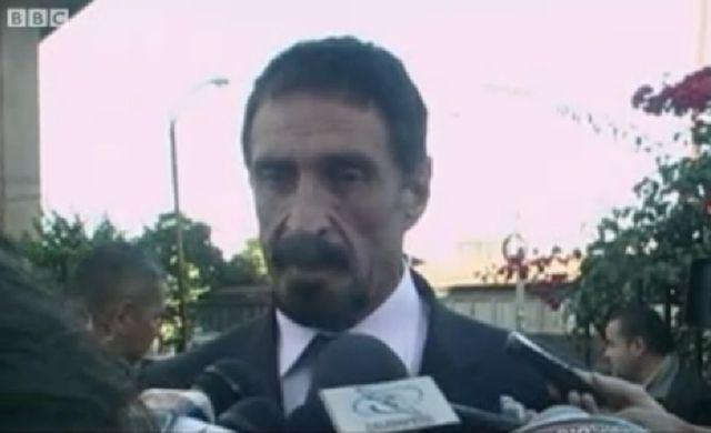 John McAfee s'est exprimé devant les médias au Guatemala