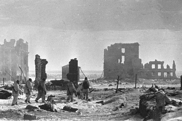 Le centre-ville de Stalingrad après sa libération, photo prise le 2 février 1943.