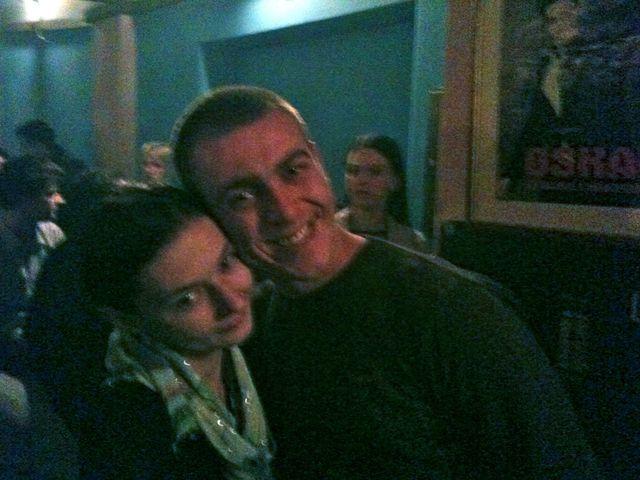 Amra et Emir dans une fête à Sarajevo