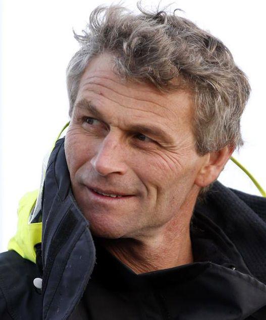 Le suisse Bernard Stamm disqualifié du Vendée Globe