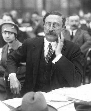 Léon Blum au gymnase Japy lors du Congrès Socialiste de 1925