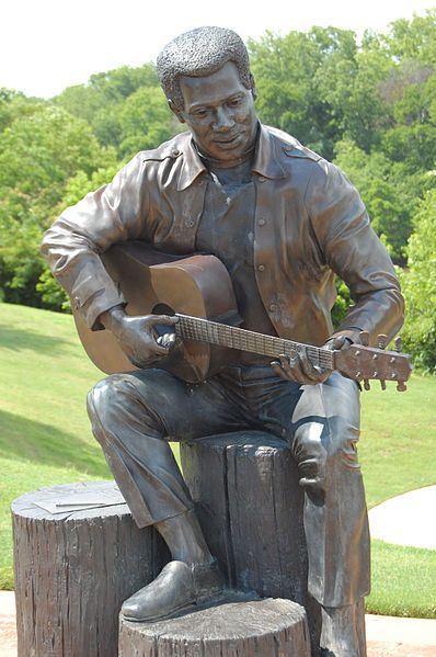 Otis Redding statue
