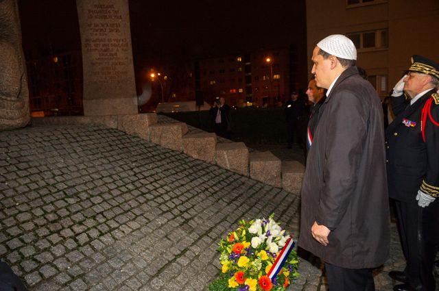 Une delegation menee par l'Imam de Drancy s'est rendue au memorial de la Shoah de Drancy