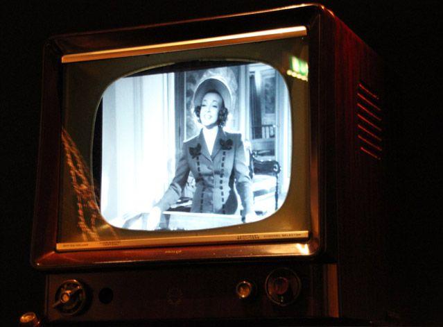 Dans l'exposition L'univers de la mode de Jean-Paul Gaultier diffusion de son film fétiche