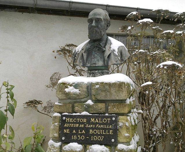 La Bouille en Seine-Maritime - Buste d'Hector Malot