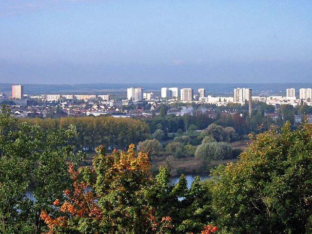 Le quartier du Val Fourré à Mantes-la-Jolie (Yvelines) - Vue du chemin Saint-Sauveur à Limay