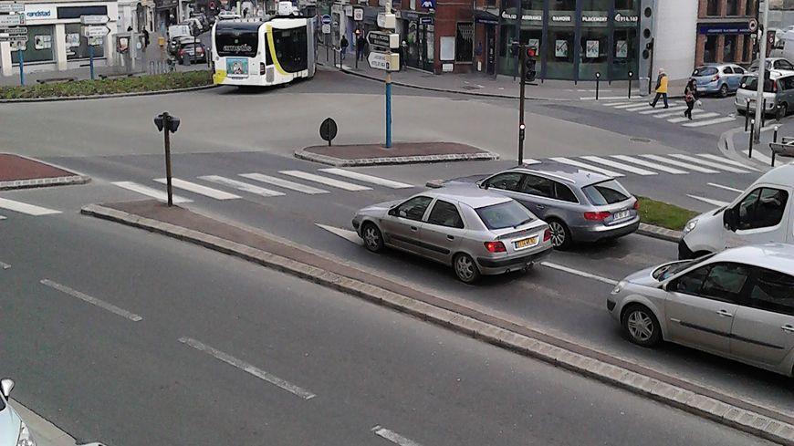 Le centre-ville d'Amiens est régulièrement envahi par une odeur nauséabonde