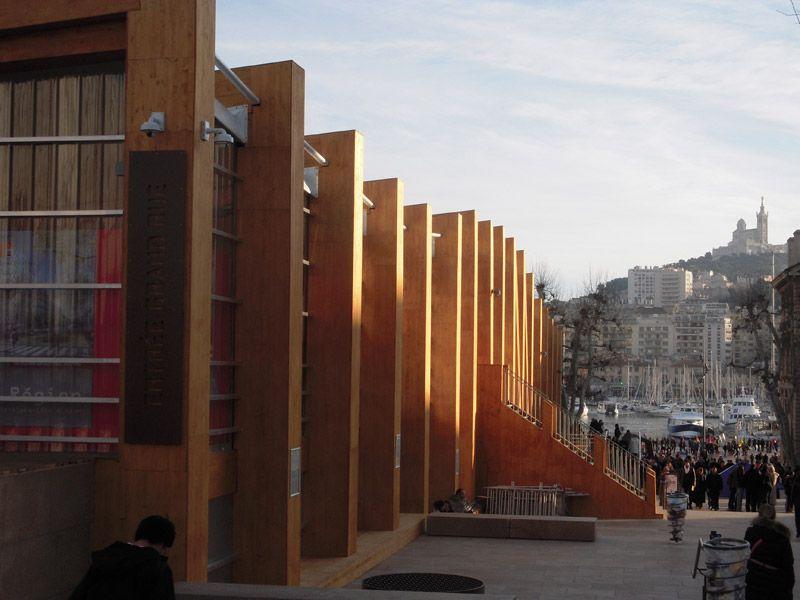 Le Pavillon M de Marseille Provence 2013 et la bonne mère