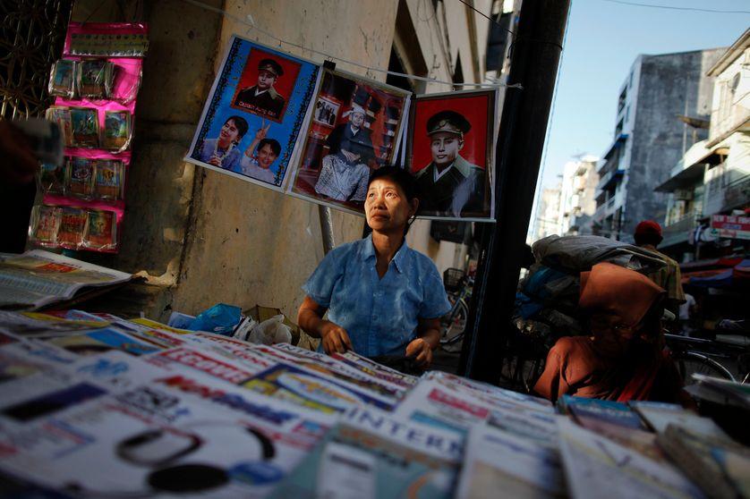 Kiosque à journaux à Rangon
