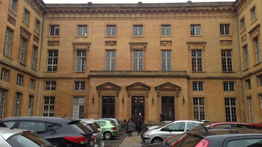 La cour intérieure du palais de justice de Metz.