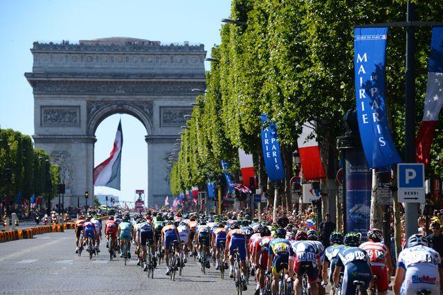 Derniers tours de roue sur les Champs-Elysées (22 juillet 2012)