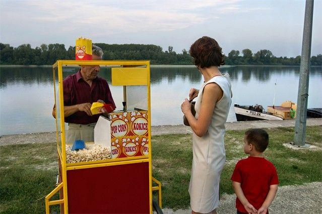 Le soir sur les bords du Danube à Vukovar, Croatie, août 2003