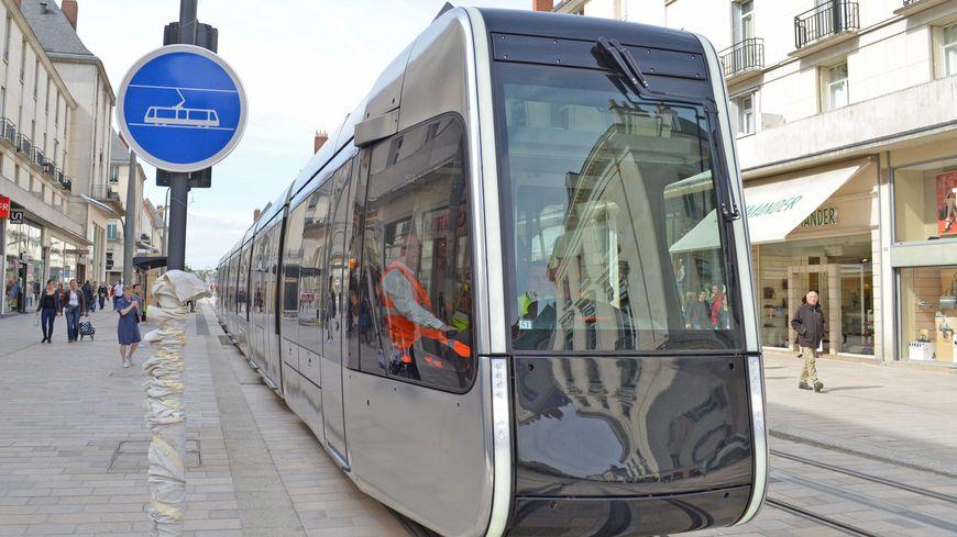 Le tramway de Tours.
