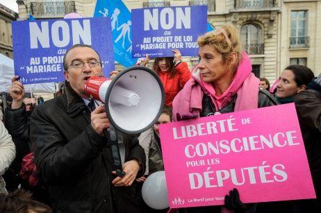 Hervé Mariton et Frigide Barjot manifestent contre le mariage pour tous à Paris (archives).