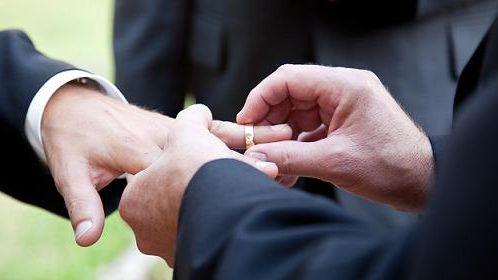 Premiers dépôts des bans pour le mariage pour tous