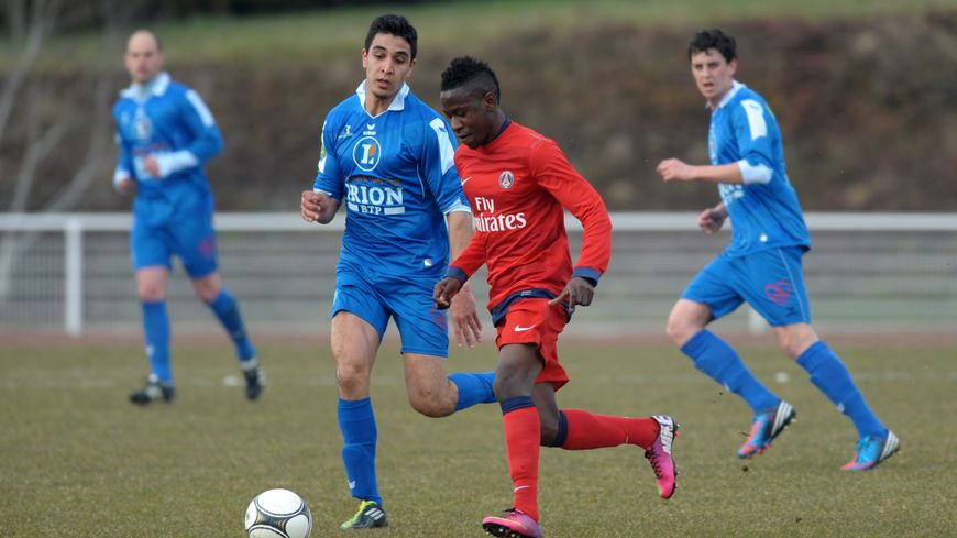 Sarre Union Bas Rhin le 10/04/2013 - Football CFA - match en retard - US Sarre Union contre PSG 2