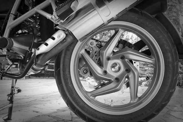 Une moto BMW 1200