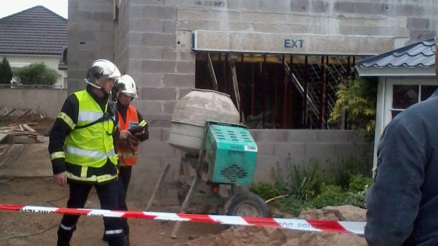 Le chantier de la maison en construction rue des écoles à Amnéville