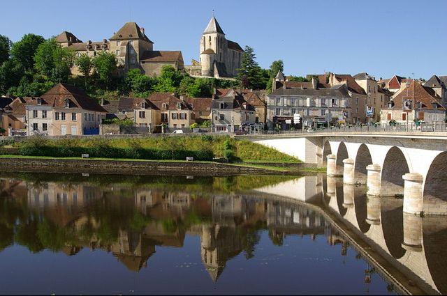 Le Blanc, le chateau Naillac, l'église St Cyran, la rivière Creuse