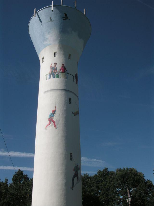 La tour à Neuvy-sur-Barangeon (Cher)