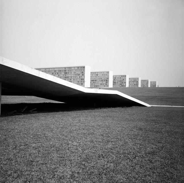 Tracé curviligne des routes desservant le Congrès et les bâtiments ministériels, 1963