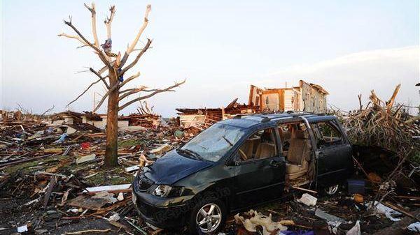 91 personnes ont été tuées au cours du passage de la tornade qui a ravagé lundi la ville de Moore, dans la banlieue d'Oklahoma.