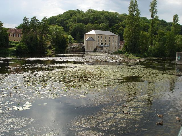 Le Blanc (Indre) - La rivière Creuse et l'ancien moulin à blé
