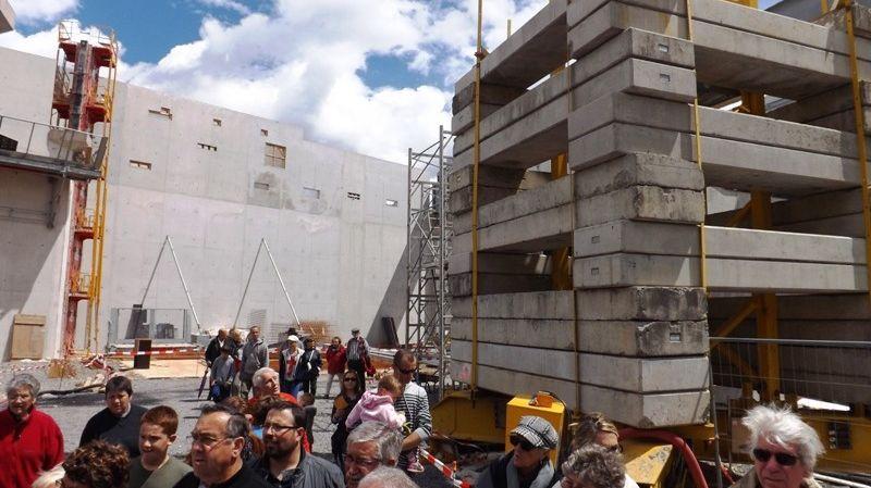 Visite du chantier de la grotte Chauvet pour le public.