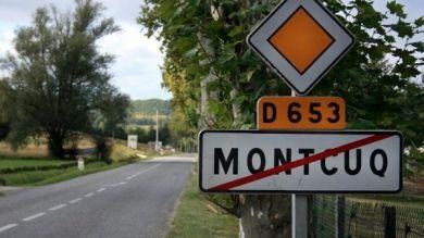 Plein d'humour, cet homme a parcouru les 1.000 km qui séparent Parla de Montcuq pour la beauté du calembour.
